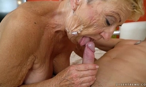 Old granny copulates the youthful mechanic - lusty grandmas