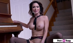 Pornstar tease - jessica receives in nature's garb and masturbate for all