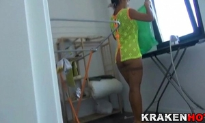 Voyeur, look at this wife's cookie cleaning in a xvideo