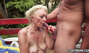 Mature szuzanne plays with a juvenile penis