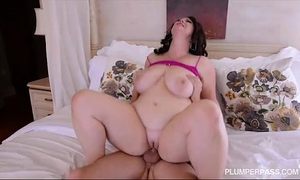 Plump big tit milf acquires fucked in the arse by college guy