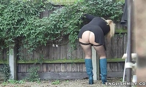 Big booty milf in nylons outdoor upskirt