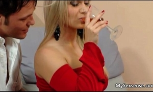 Beautiful blond honey lea lexis receives