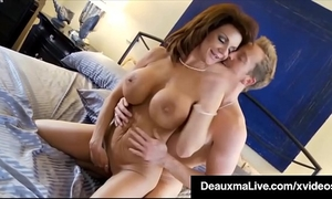 Curvy cougar deauxma receives muff & pecker in hawt 3way orgy!