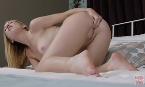 Girls gone wild - all natural raylin ann plays with her bald pink pussy